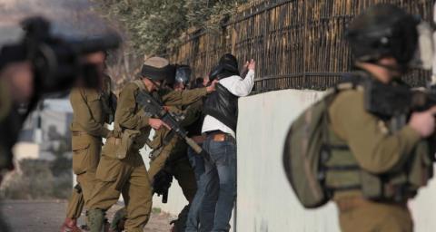 اقتحامات وإعتقالات وتخريب منازل في مدن الضفة الغربية ...